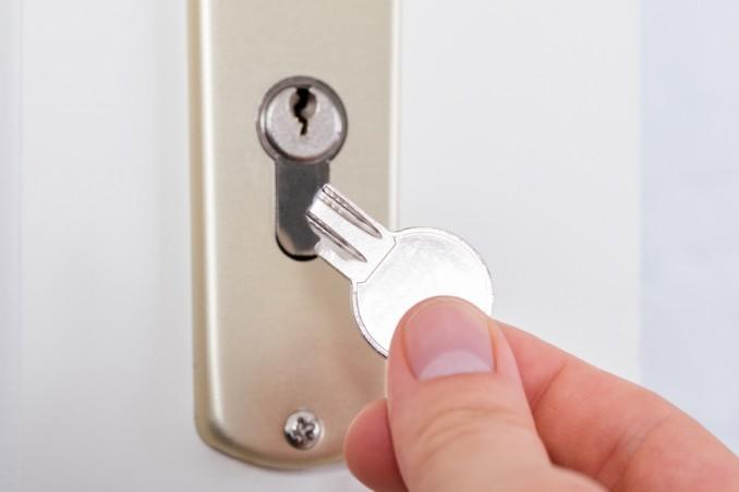 Perché una chiave si rompe in una serratura?
